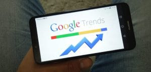 Close Correlation between the Price of Bitcoin and Google Trends